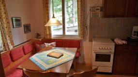 Gemütliche Küche in der Peitlerhütte