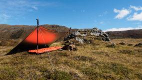 Praktischer Windschutz auf Wanderungen